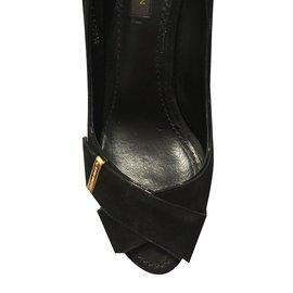 Louis Vuitton-Escarpins-Noir
