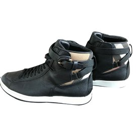 Burberry-Sneakers-Black
