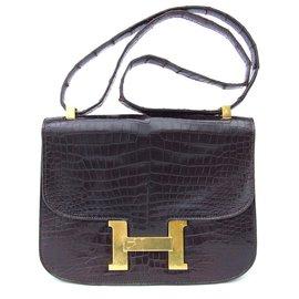 661cf34bd154 Hermès-Hermès sac à main Constance en crocodile 23 cm-Chocolat ...