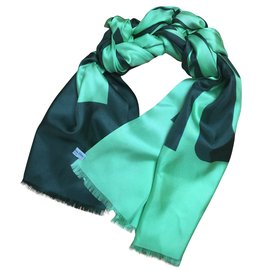 ... Christian Dior-foulard   châle   écharpe Christian DIOR-Vert 9ab62952ea5