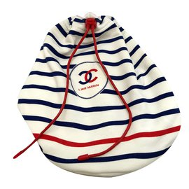 Chanel-Pochettes-Blanc,Rouge,Bleu Marine