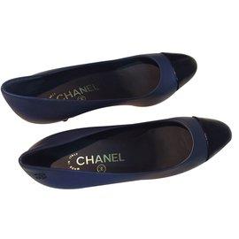 Chanel-Escarpins-Bleu