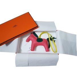 Hermès-Bijoux de sac Rodeo-Rose