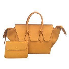 c39d94c94194 Second hand Céline luxury designer - Joli Closet