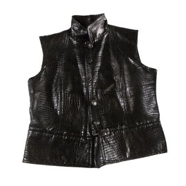 Chanel-Chanel  Fall Winter 2003 Collection Classic Vest Jacket-Black