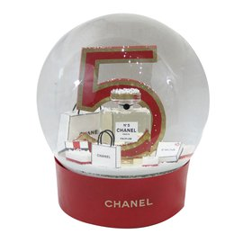 Chanel-Snowball-Red