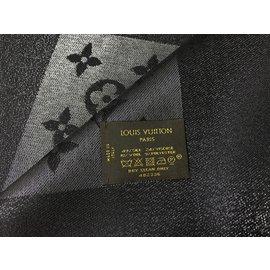 Louis Vuitton-Châle monogram lurex LOUIS VUITTON-Noir ... e2633fec1c7