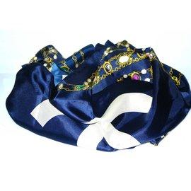 Chanel-Carré-Bleu Marine