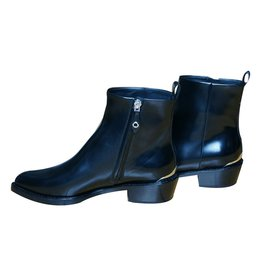 Louis Vuitton-Aftershow Ankle Boot-Noir