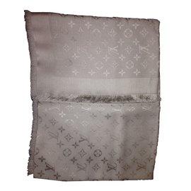 Louis Vuitton-Monograme ton sur ton-Beige