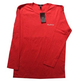Guess-Tees-Red