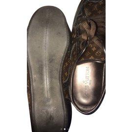 Louis Vuitton-Sneakers-Copper