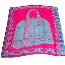 Louis Vuitton-Louis vuitton monogram almazing shawl berry-Rose