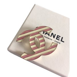 Chanel-Broches-Rose