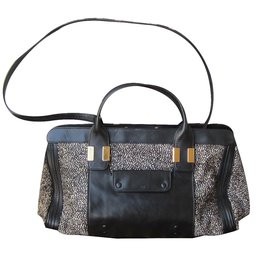 Chloé-Alice Handbag-Black