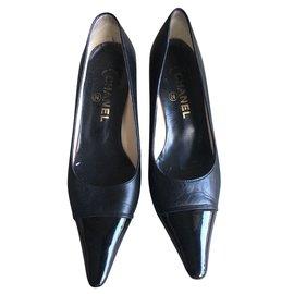 Chanel-Escarpins en cuir chanel-Noir