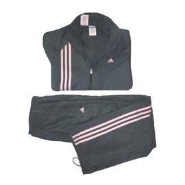 Adidas-Outfits-Dark grey