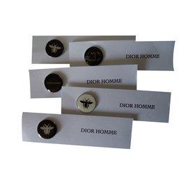 Christian Dior-Pin's-Noir