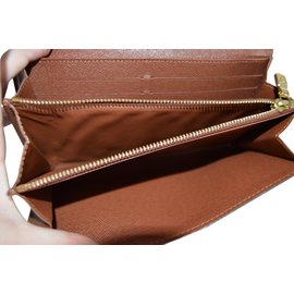 Louis Vuitton-Sarah-Marron foncé