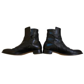Hermès-Hermes Black Box Leather Ankle Boots with Buckle-Black