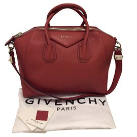 a140c5d455f9 Second hand Givenchy Luxury bag - Joli Closet