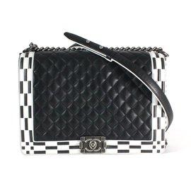 Chanel-Boy-Noir,Blanc