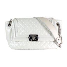 Chanel-Boy-Blanc