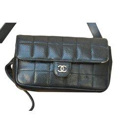 Chanel-Pochette Chanel cuir Uniforme-Noir