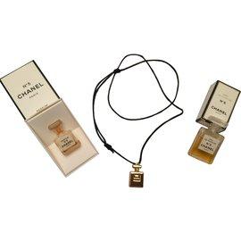 Chanel-Collier Pendentif Parfum Chanel n°5-Doré