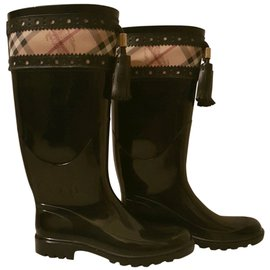 Burberry-Rain Boots-Black