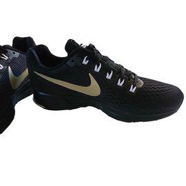 Nike-NIKE AIR ZOOM PEGASUS 34 MEDAL PACK-Noir