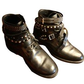 Yves Saint Laurent-Boots-Noir