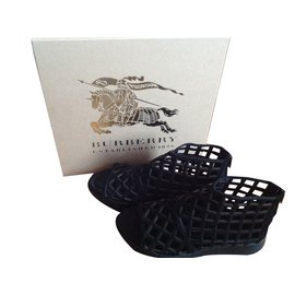 Burberry-Espadrilles-Black