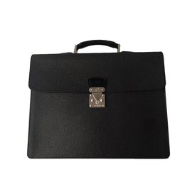Louis Vuitton-LOUIS VUITTON MALLETTE NEO ROBUSTO CUIR TAIGA-Noir