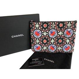 Chanel-Pochettes-Multicolore