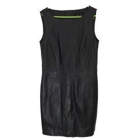 Vetements luxe Karl Lagerfeld occasion - Joli Closet a4698d5b3d7c