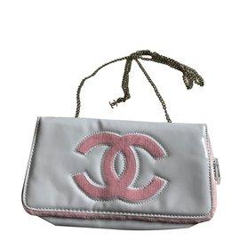 Chanel-Pochettes-Blanc