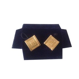 Escada-Cufflinks-Golden
