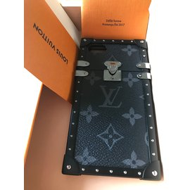 Louis Vuitton-Iphone 7/8 Eye Trunk-Gris anthracite