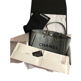 Chanel-Deauville-Gris