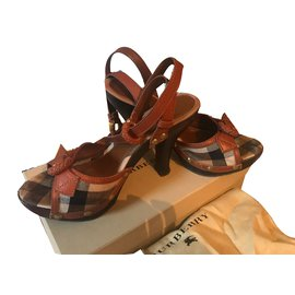 Burberry-Sandals-Caramel