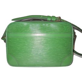 Louis Vuitton-Trocadero Cuir épi Vert Borneo-Vert