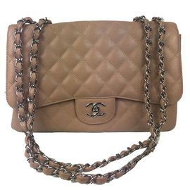 Chanel-Sublimissime Sac Chanel Timeless Jumbo en cuir caviar nude en excellent état !-Caramel