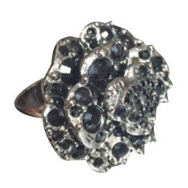 Chanel-Bagues-Noir