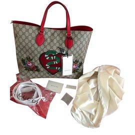 5c0c95ac6931 Gucci-Gucci Edition limitée Soft GG Supreme-Beige ...