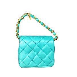 Chanel-Mini Timeless Chanel en cuir matelassé Turquoise en excellent état !-Bleu