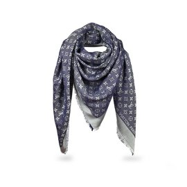 5d93e0b55f5 Foulards Louis Vuitton occasion - Joli Closet