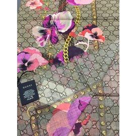 Gucci-Foulards-Rose