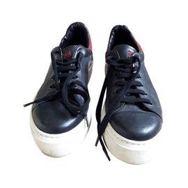 Ann Tuil-Baskets-Noir
