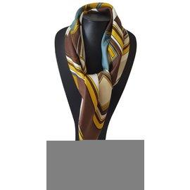 7e4f5ab813b3 ... Hermès-Foulard Hermès en soie intitulé